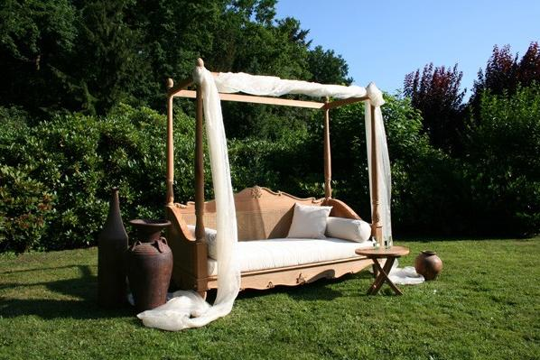 Garden Shade in the Day Bed