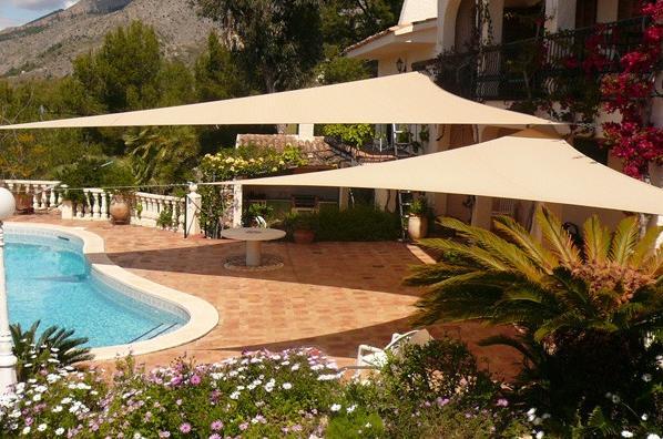 feeling hot hot hot five garden shade ideas to keep you. Black Bedroom Furniture Sets. Home Design Ideas
