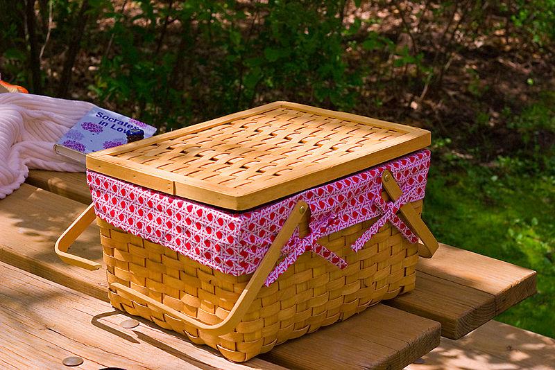 Picnic Basket - The Garden Furniture Centre
