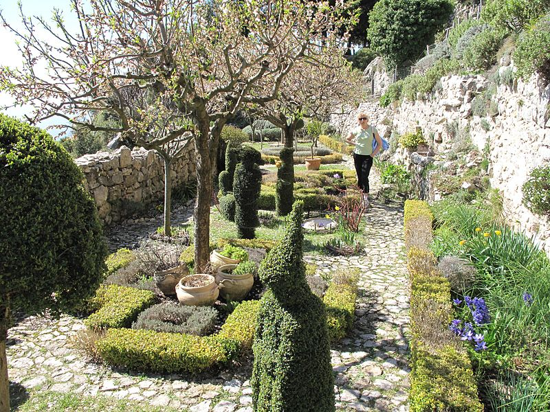 Medieval garden-st agnes
