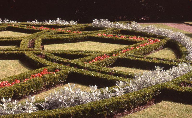 A Short History of The English Garden | 01564 793652