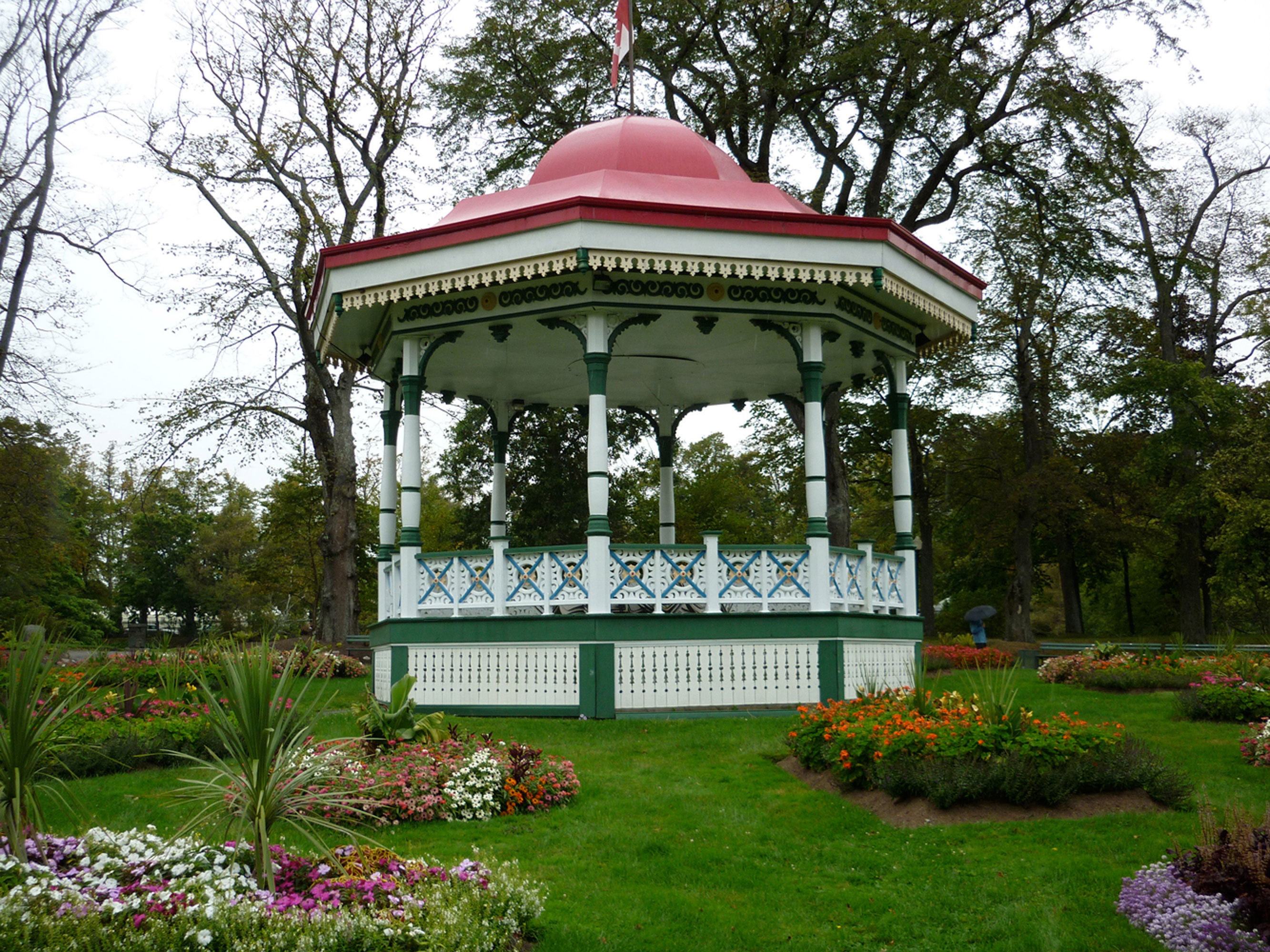 """image by <a href=""""http://www.freeimageslive.co.uk/free_stock_image/bandstand-jpg"""" target=""""_blank""""> freeimageslive.co.uk - silvervoyager</a>"""