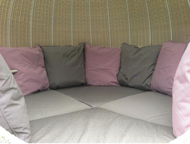 Sumptuous Outdoor Cushions on the Apple Day Bed