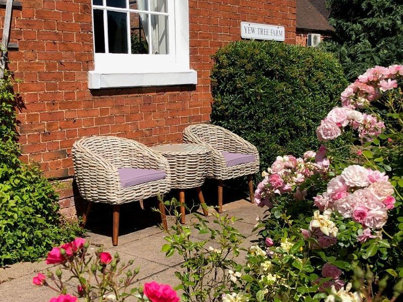 garden bistro sets in small spaces
