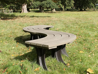 Curved backless eco bench