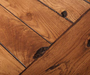 Stunning highlighted oak grain