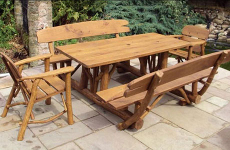 Stunning Rustic Oak Picnic Table